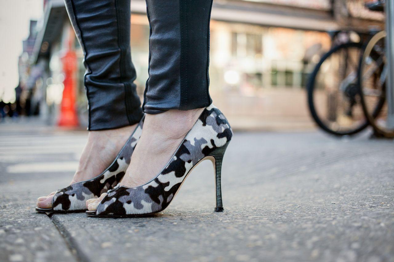 manolo blahnik carrie shoes